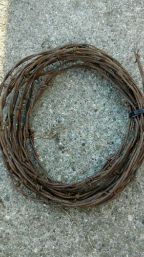 Vintage Barb Wire Rusty Western Art 20 FEET This is real Barb wire very sharp.