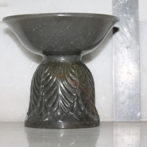 VINTAGE OLD REPRODUCTION OF FINE MUGHAL DESIGN JADE SPIT BOWL COLLECTIBLE,INDIA<br/>India - 60209