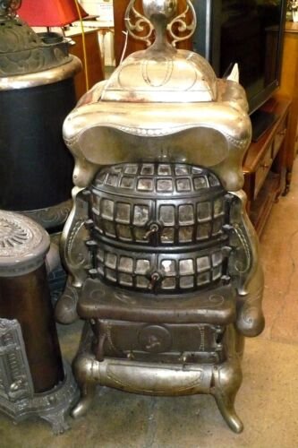 ANTIQUE Cast iron STOVE Spartan 108 PARLOR Style The WEHRLE co. Newark, OH<br/>Stoves - 163017