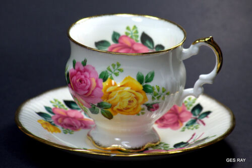 ELIZABETHAN FINE BONE CHINA ENGLAND  CUP &amp; SAUCER Roses Flowers<br/>Cups & Saucers - 63525