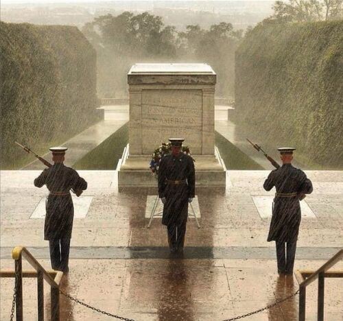 Tomb Of The Unknown Soldier During Hurricane Sandy 8.5x11 Glossy PhotoReproductions - 156470