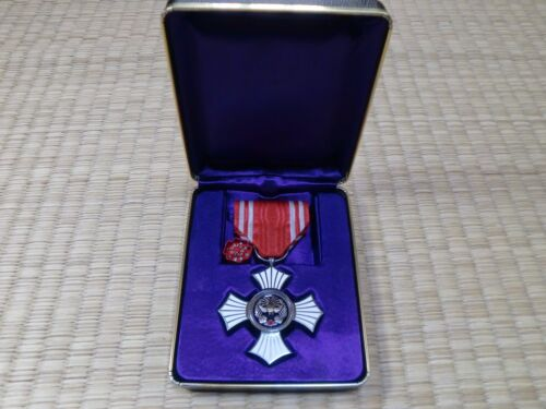 WWII Japanese Red Cross Silver Merit Medal army navy japan badge BMedals, Pins & Ribbons - 165602