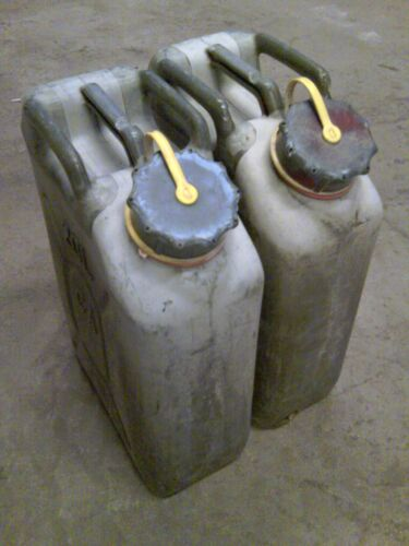 2 Scepter Fuel Cans ( MFC ) with YELLOW STRAPS for DieselOther Military Surplus - 588