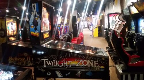 Top Holiday Gifts TWILIGHT ZONE Pinball Machine - Bally 1993 - Plays Great!