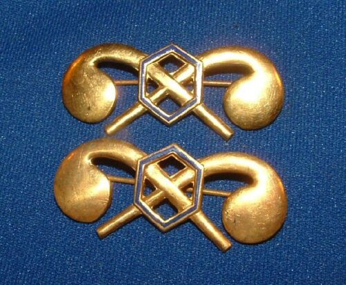 2 US WWII Officers Chemical Warfare Corps Lapel Insignia Gilt Pins WW2 PinPins - 36059