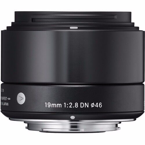 SIGMA 19mm F2.8 DN 'ART SERIES' LENS BLACK FOR SONY 'E' MOUNT &  16GB SD CARD
