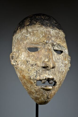 BEAUTIFUL OLD YOMBE BAKONGO MASK - ARTENEGRO Gallery with African Tribal Arts<br/>Masks - 37946