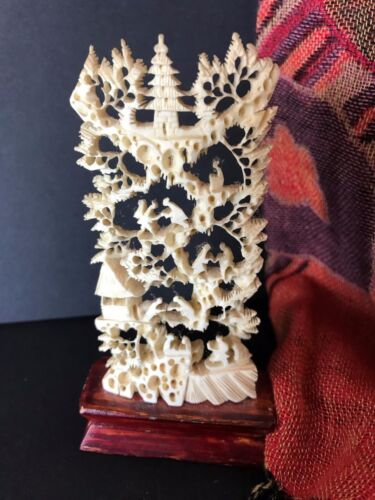 Old Chinese Garden Carving on Pedestal (a) …a beautiful collection / display pie