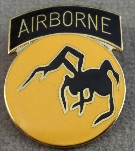US Army 135th Airborne Division Pin / ClutchbackArmy - 66529