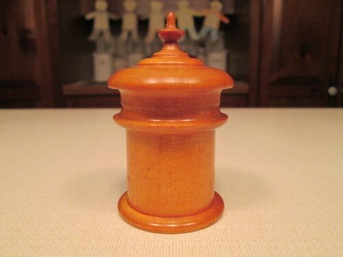 19th Century Peaseware Jar<br/>Other Antique Woodenware - 1219