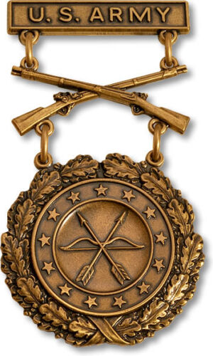 ARMY EXCELLENCE IN COMPETITION BRONZE RIFLE  USA MADE MILITARY BADGE Army - 66529