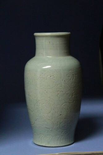 Chinese Antiques Ming Dynasty Green Glaze carved vase S#022