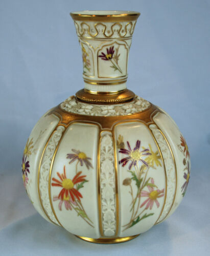 Royal Worcester Hand Painted English Porcelain Centerpiece w/12 Floral Sections