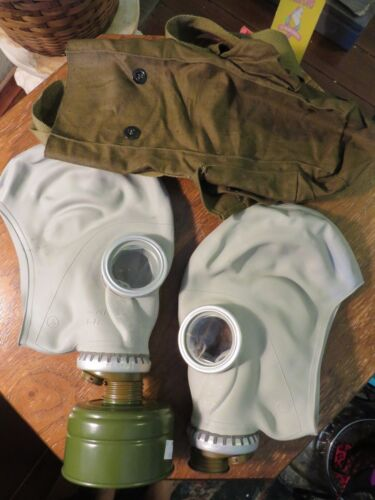 2 Vintage Soviet Russia Army Gas Masks in Original Carrying Bag cp747 T-77 1yMasks - 70985