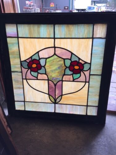 Sg 376 Antique Duel Red Flowers Window