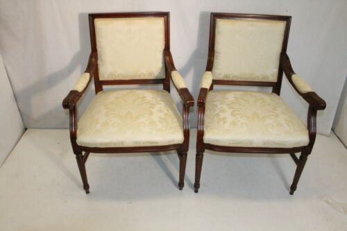 Lovely Pair of French Louis XV style Maple Fauteuils Side Chairs, New Upholstery