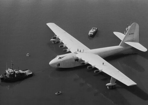 Art print POSTER / Canvas Howard Hughes' Spruce Goose