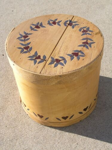 Vintage Primitive Round Carved Painted Hearts Leaves Bent Wood Pantry Cheese Box
