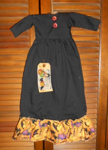 PRIMITIVE WALL DRESS HALLOWEEN BLACK WITCH on Broom,Bat,Cat,Moon,Grungy,Cupboard