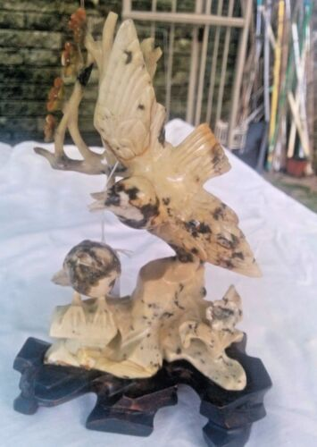 CHINESE HARD STONE CARVING SCULPTURE 2 BIRDS WITH WOODEN STAND.
