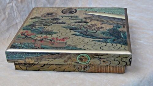 EARLY 20c JAPANESE LARGE LACQUERED HAND PAINTED LANDSCAPE SCENE DOCUMENT'S BOX