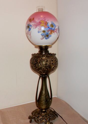 Victorian Banquet Oil Lamp Hand Painted w/ Florals Brass Base w/ great filigree