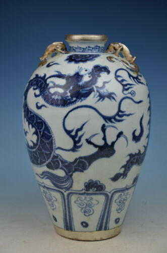 Chinese beautiful blue and white porcelain Silver Dragon vase
