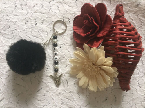 PERSONALISED POMPOM KEYRING - VARIOUS COLOURS - FAUX FUR