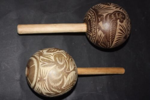 MEXICAN SHAMANIC MARACAS SHAKERS LATINE ETHNIC MUSICAL PERCUSSION ART INSTRUMENT