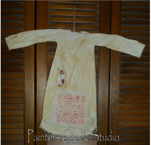 Primitive Decor HAVE YOURSELF A MERRY Nightshirt,Cupboard, Grungy,Prim,Christmas