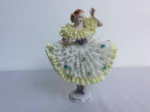 Lovely dresden sitzendorf porcelain lady yellow white lace figurine figure