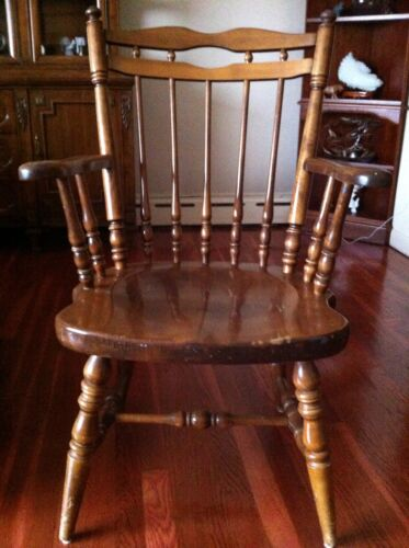 Nichols And Stone Maple Windsor Armchair