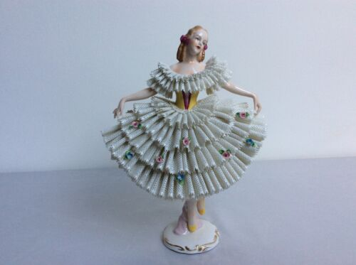 Lovely dresden sitzendorf porcelain lady white lace figurine figure STUNNING