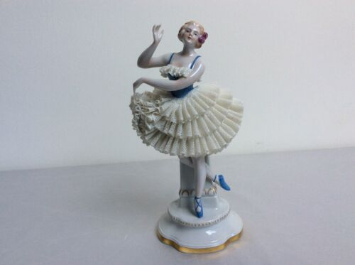 Lovely dresden sitzendorf porcelain lady girl white lace figurine