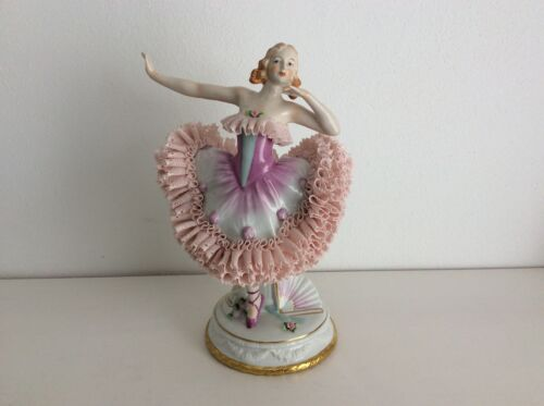 Lovely dresden sitzendorf beautiful lady Rococo base porcelain figurine figure