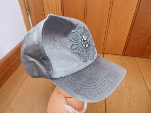 NEW LOOK SILVER GREY EMBROIDERED EMBELLISHED VELVET HAT CAP ONE SIZE BNWT