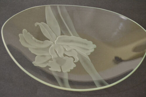 VINTAGE DOROTHY THORPE MID CENTURY ETCHED OVAL CRYSTAL  SHALLOW PLATE