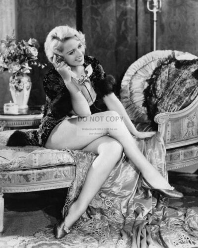 ACTRESS JOAN BLONDELL PIN UP - 8X10 PUBLICITY PHOTO (CC555)