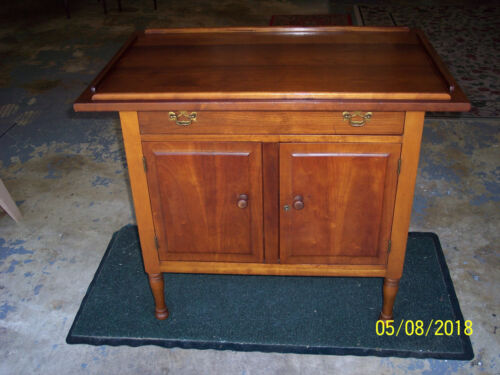 LEOPOLD STICKLEY ORIGINAL #4086 TABLE CHEST CHERRY VALLEY from 1955 BEAUTIFUL
