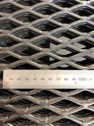 STEEL EXPANDED MESH SHEETS 600mm x 600mm  BBQ BARBECUE BARBEQUE MESH