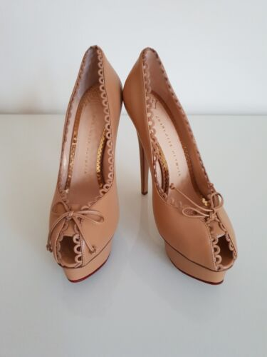 CHARLOTTE OLYMPIA DAPHNE SCALLOPED TRIM PEEP TOE PLATFORM PUMPS. UK 6.5 -IT 39.5