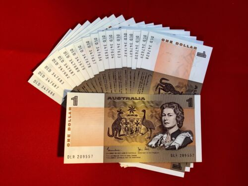 Australian Decimal Paper $1 Note a UnCirculated Condition. In Serial Sequence. <br/> *** New Stock**. Could suit PCGS slabbing ???