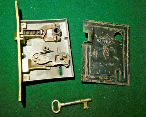 R & E RUSSELL & ERWIN MORTISE LOCK #013 w/KEY - RECONDITIONED (9779-2)