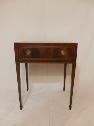 20th Century Hepplewhite Georgian Figured Mahogany Vanity Dressing Chest