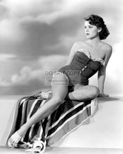 ACTRESS PEGGIE CASTLE PIN UP - 8X10 PUBLICITY PHOTO (RT840)
