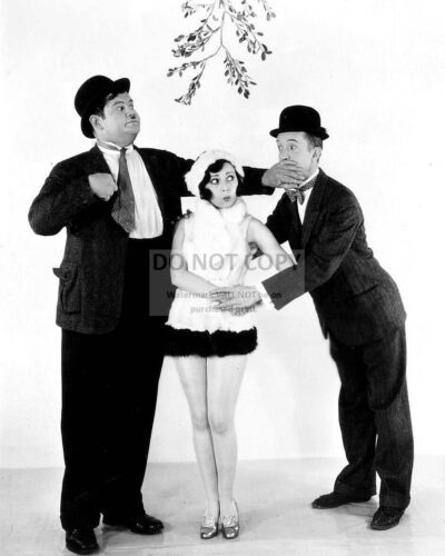 MARION BYRON WITH STAN LAUREL AND OLIVER HARDY - 8X10 CHRISTMAS PHOTO (RT895)