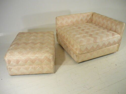 Mid 20th Century Modern Baker Sofa/Daybed/Chaise w/Ottoman Parzinger Era