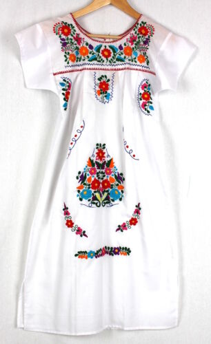 Hand Embroidered White Dress Made Mexico New Boho Size Large Stunning Quality