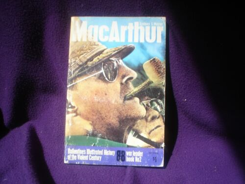 BOOK MILITARY WAR  FULLY ILLUSTRATED 159 PAGES MACARTHUR WAR LORD