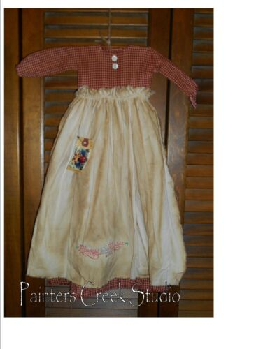 Primitive Wall Decor Dress RED CHECK W/ APRON Always Kiss Me Goodnight,Valentine